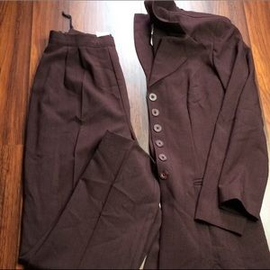 Purple Plum Pant Suit, NWOT, Size 3/4